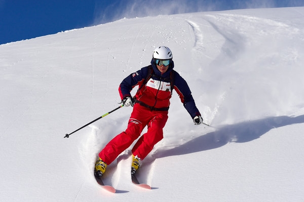5 Best Ski Suits Reviews 2021 – Buyer's Guide